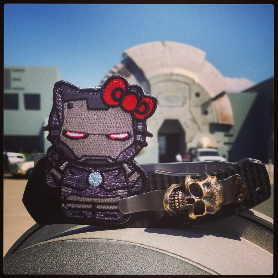 oakley-warmachine-kitty-01a.jpg